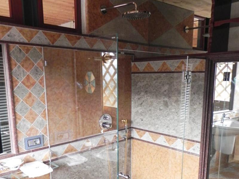 Box doccia in vetro satinato cabine doccia cristallo - Cabine doccia su misura ...