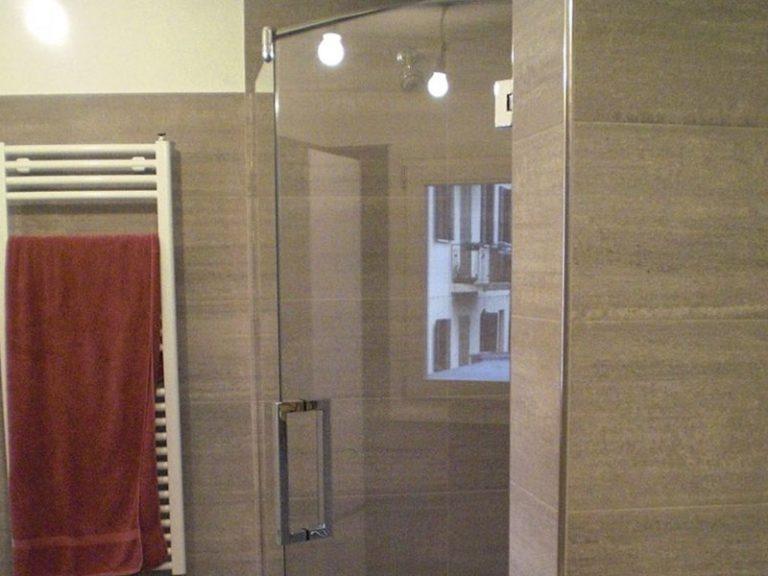 Box doccia in vetro satinato porte vetro satinato bagno su misura e personalizzati metalvetro - Arredo bagno santa maria di sala ...