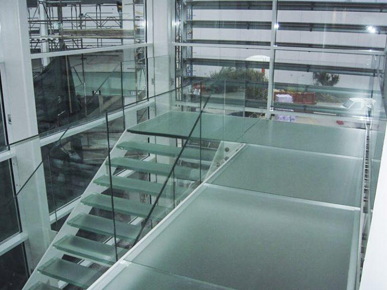 Scale e gradini in vetro